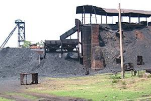 What type of incentive structure encourages development of requisite skill traits in mining sector?
